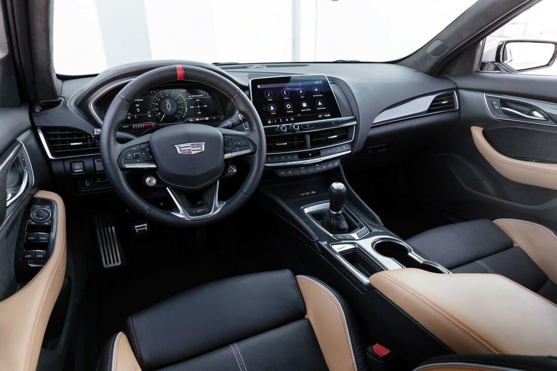 салон Cadillac CT5-V Blackwing 2022
