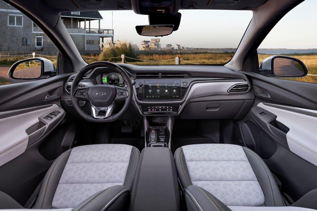 салон Chevrolet Bolt EUV 2022
