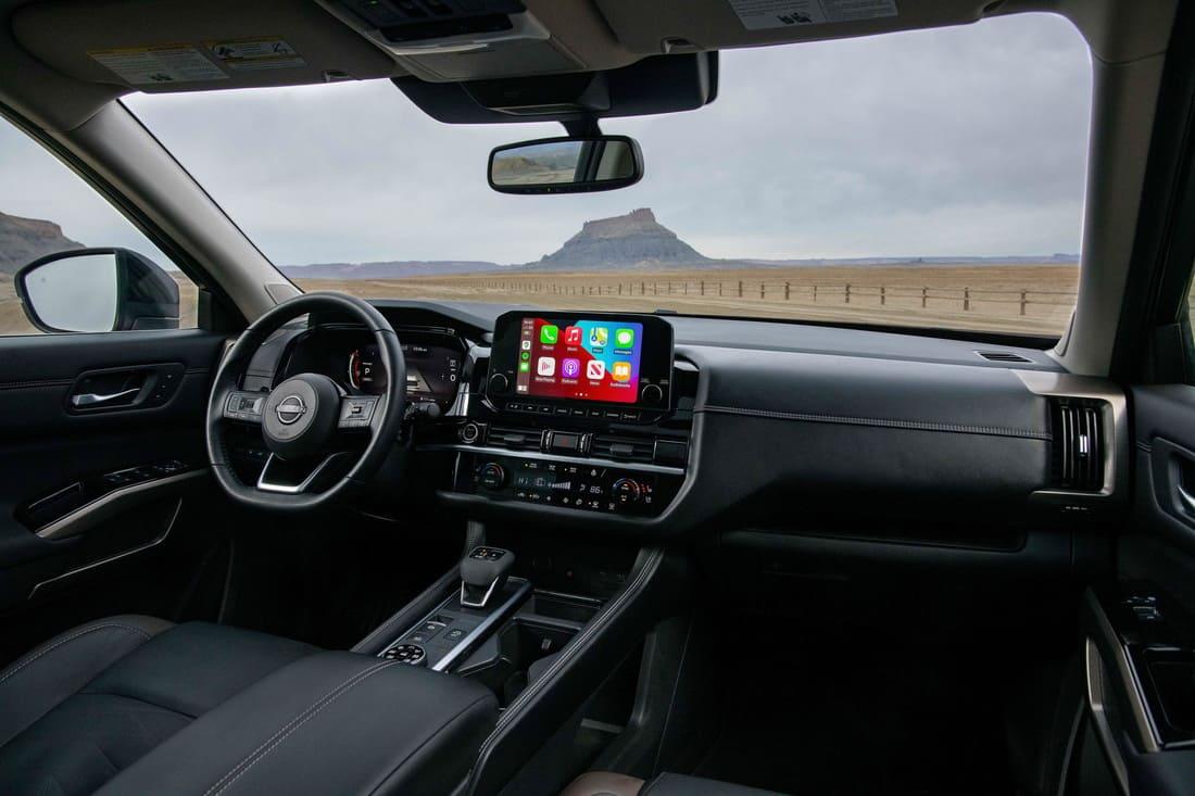 салон Nissan Pathfinder 2022