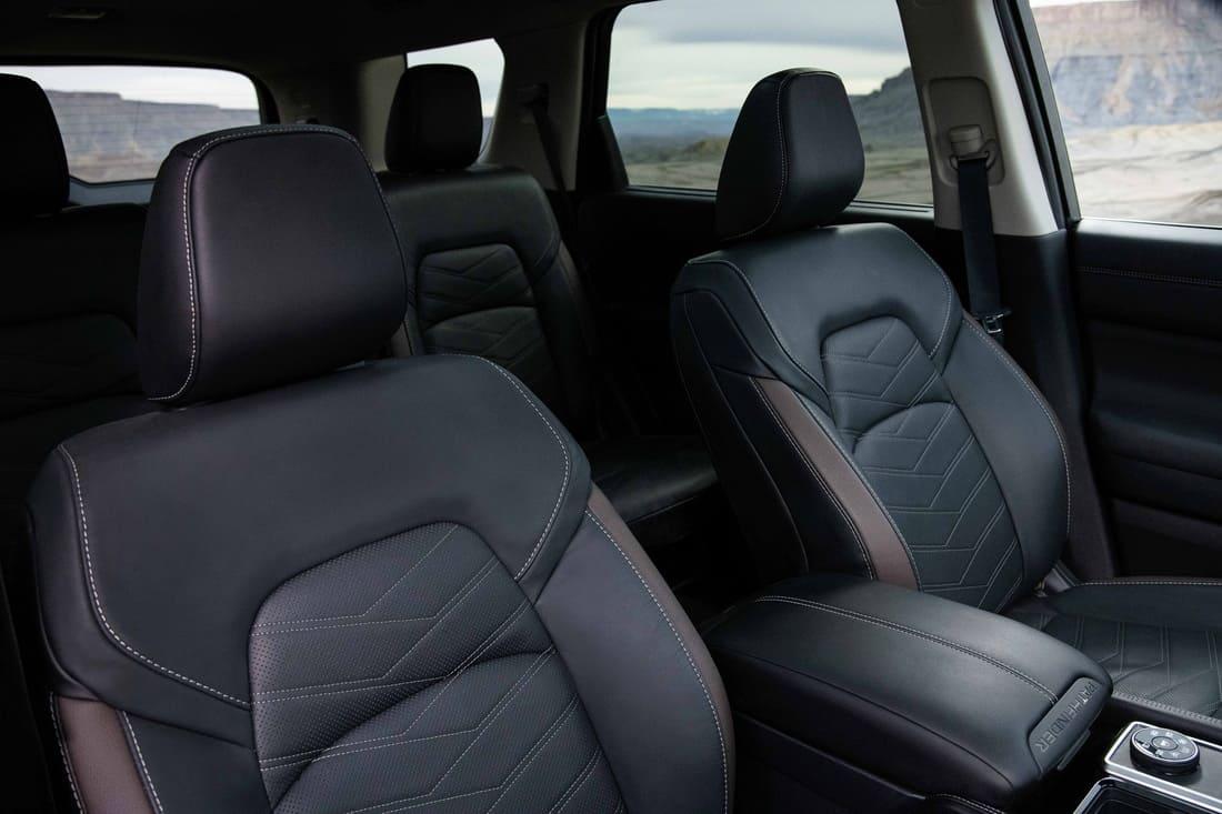 сиденья Nissan Pathfinder 2022