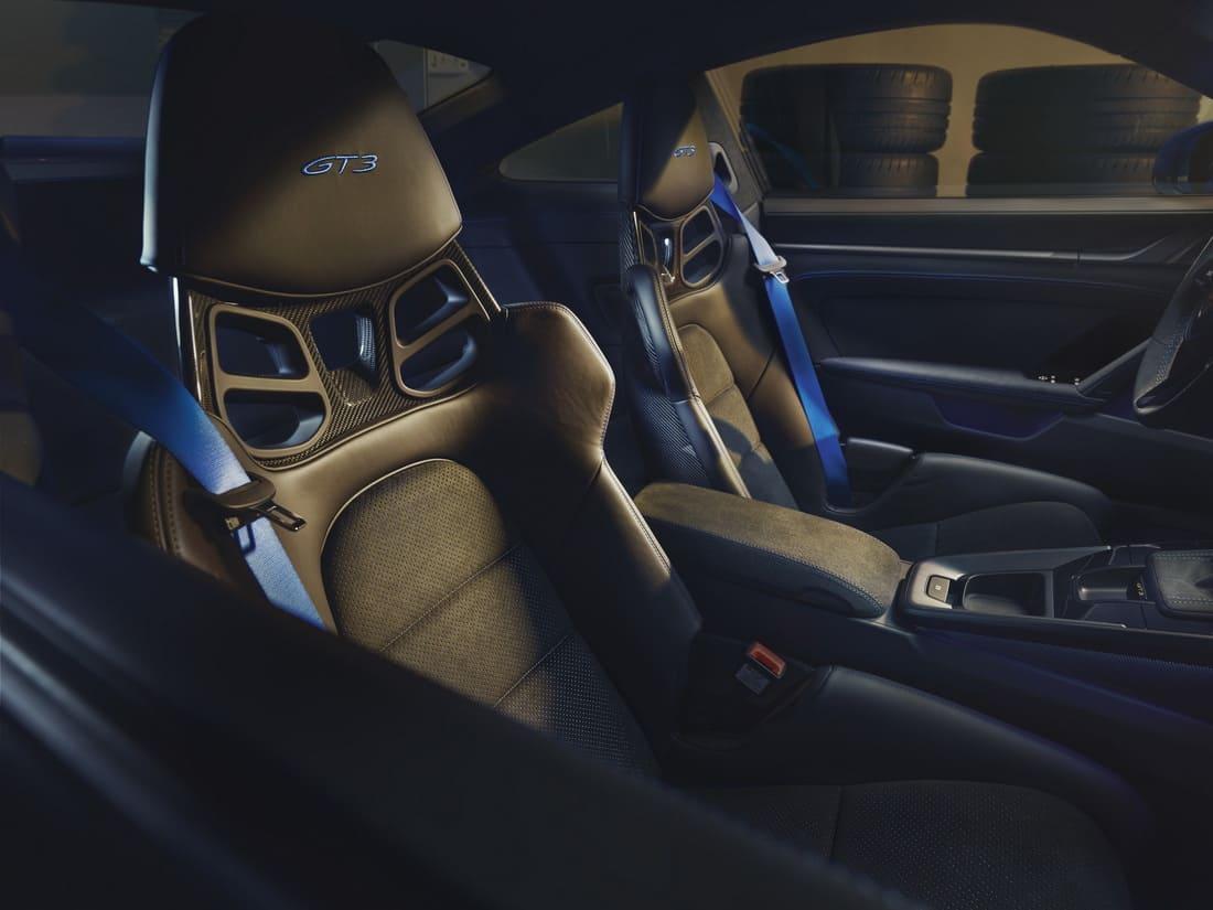 сиденья Porsche 911 GT3 2022