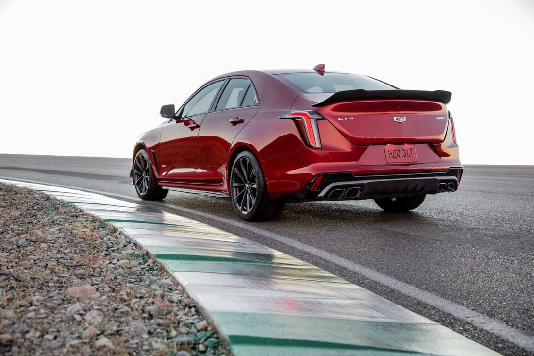 задняя часть Cadillac CT4-V Blackwing 2022