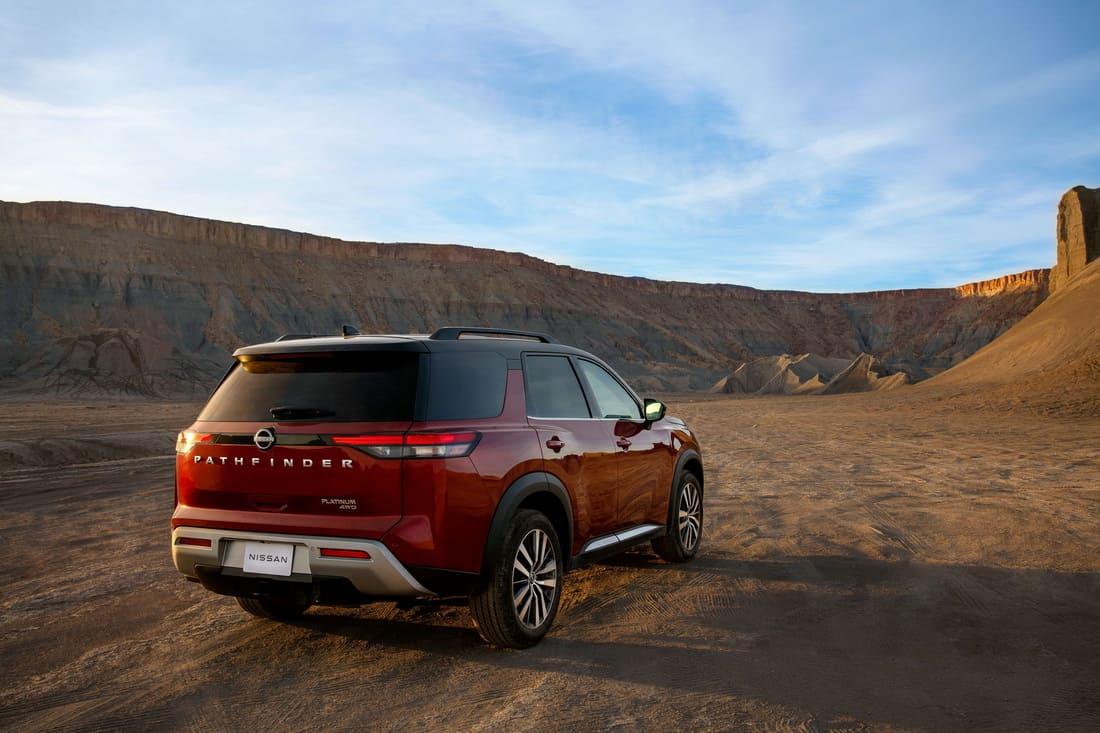 задняя часть Nissan Pathfinder 2022