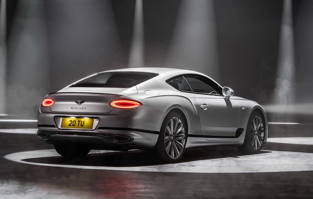 Bentley Continental GT Speed 2022 задние фонари