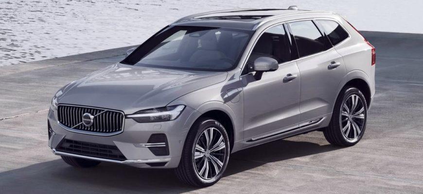 фото Volvo XC60 2022 года