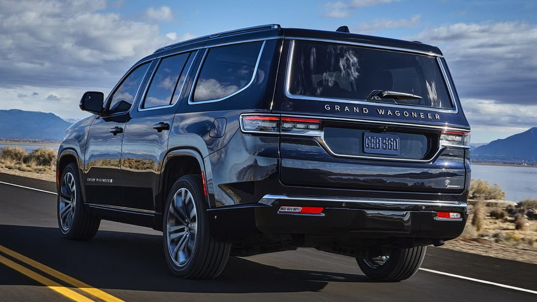задняя часть Jeep Grand Wagoneer 2022