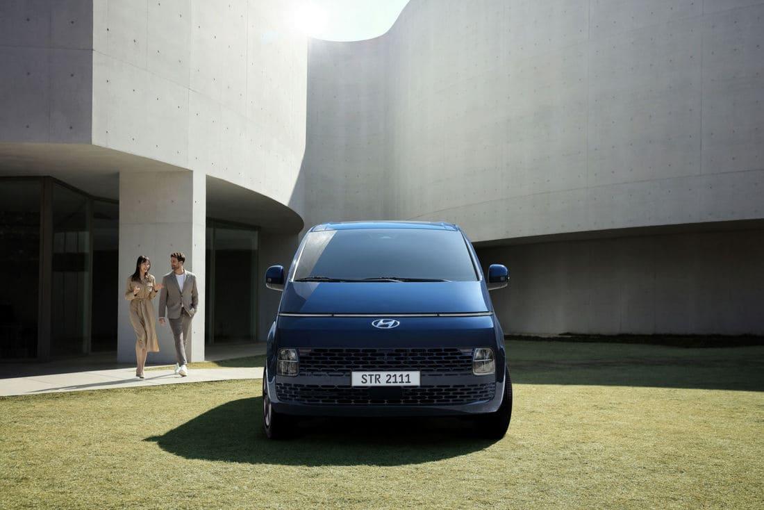 фары, решетка Hyundai Staria