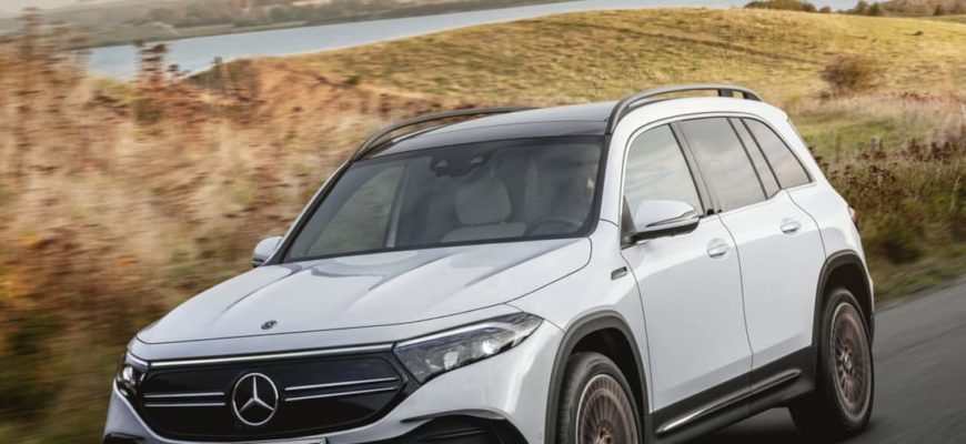фото Mercedes EQB 2022 года