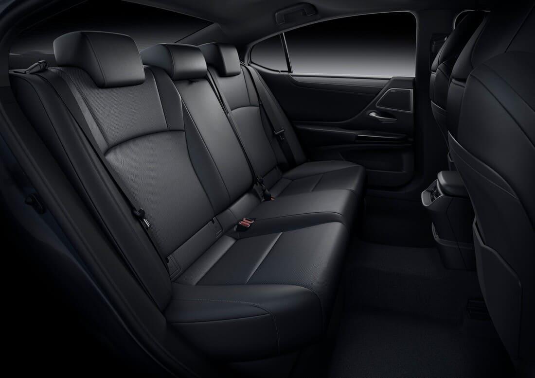 интерьер Lexus ES рестайлинг 2022 года
