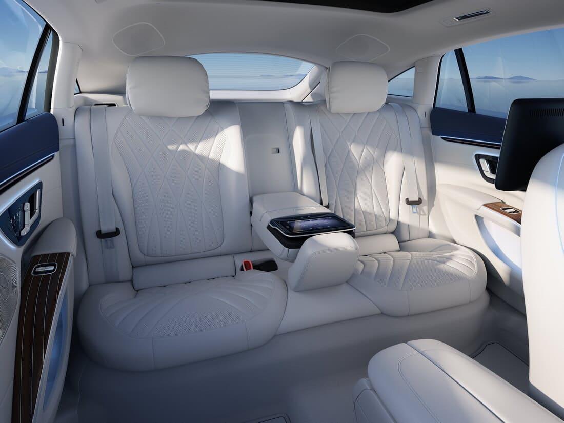 интерьер Mercedes-Benz EQS 2022