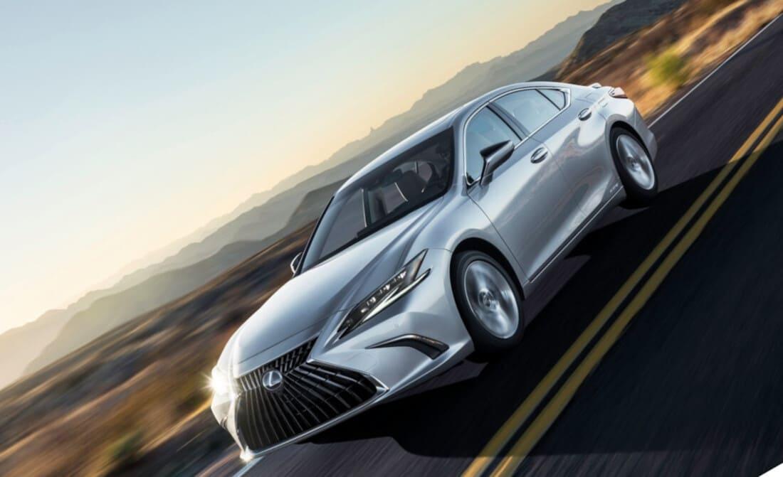 Lexus ES рестайлинг 2022 года