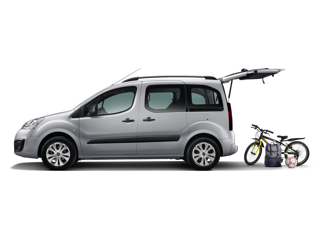 Opel Combo Life 2021 сбоку