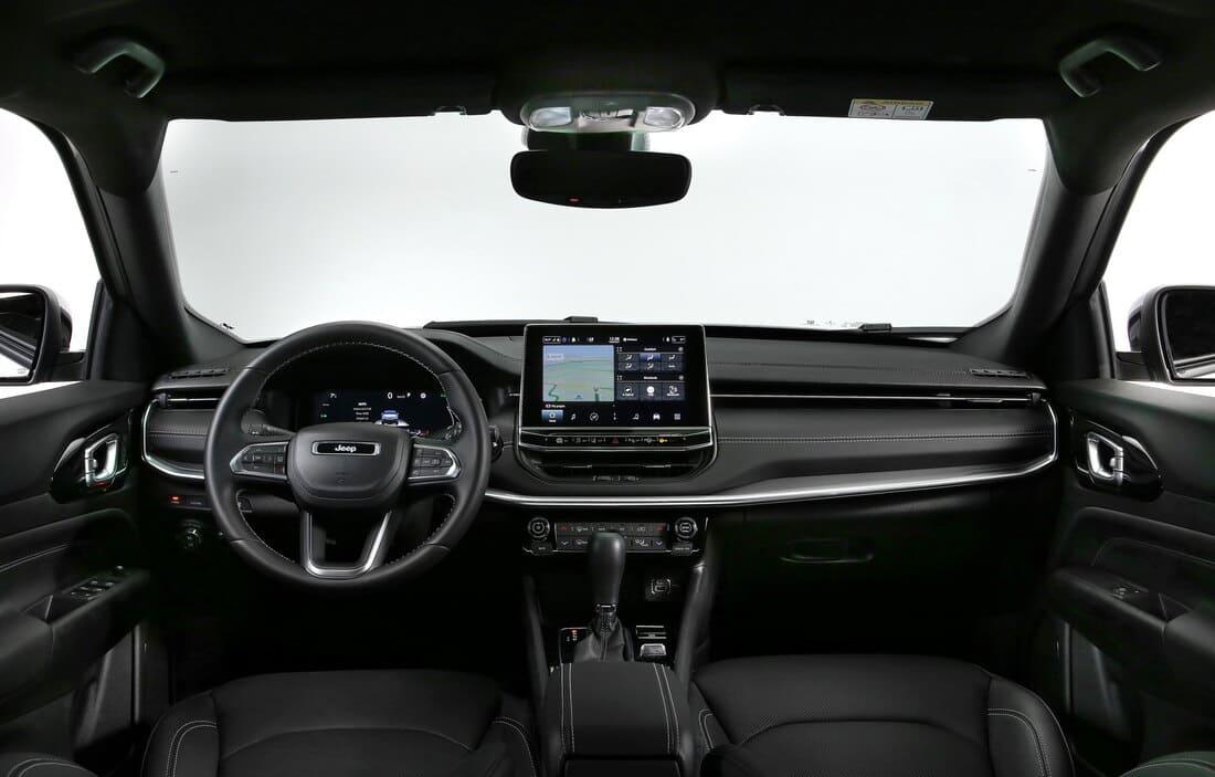 салон Jeep Compass 2021-2022