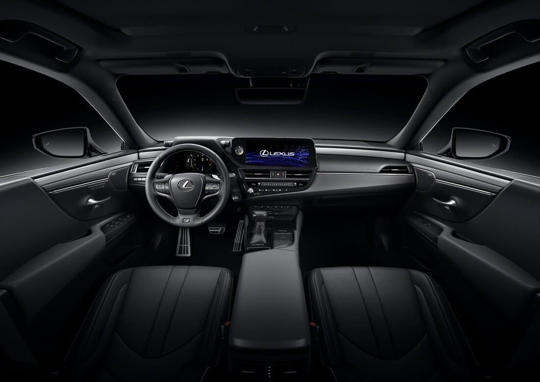салон Lexus ES рестайлинг 2022 года
