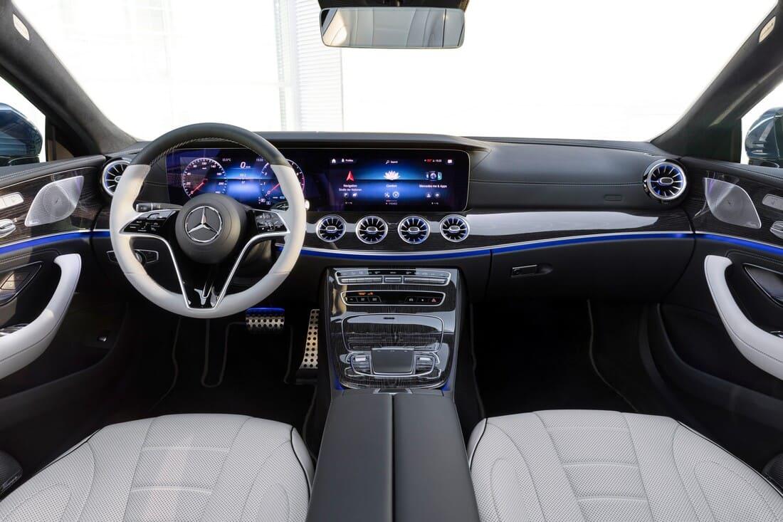 салон Mercedes CLS 2022