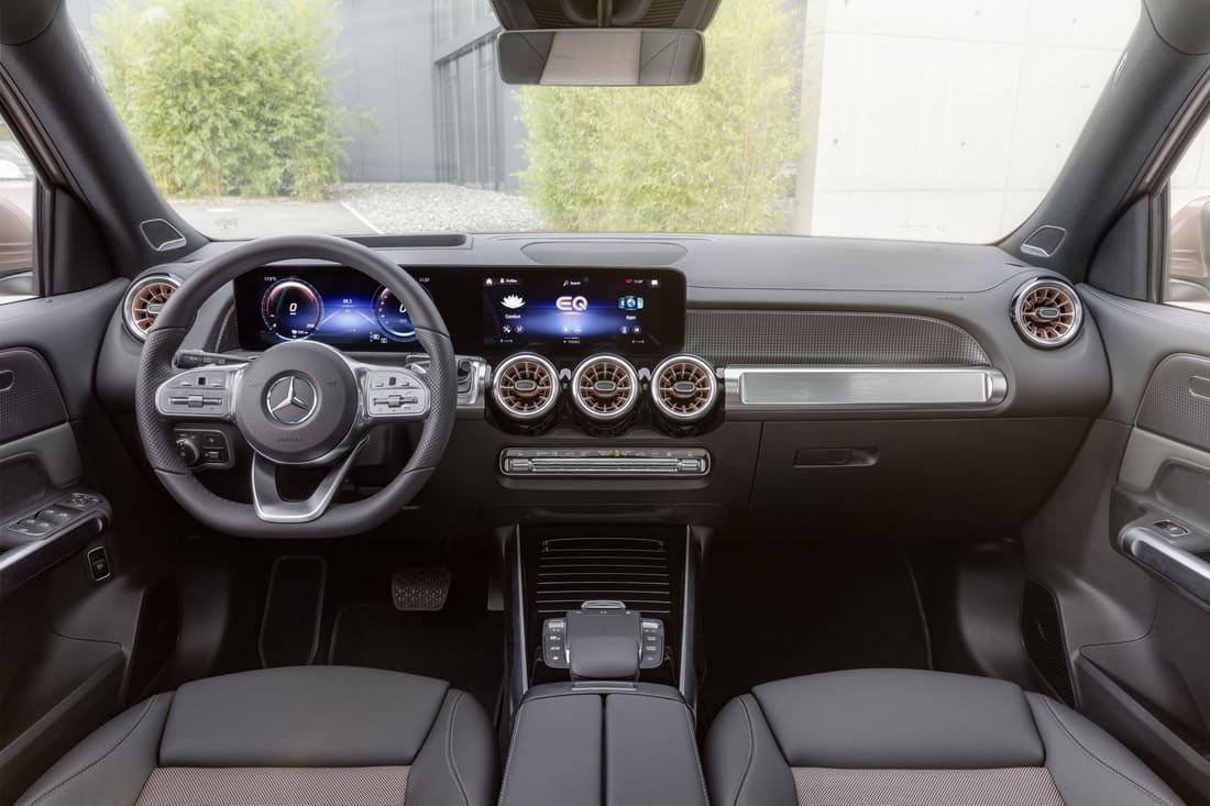 салон Mercedes EQB 2022 фото