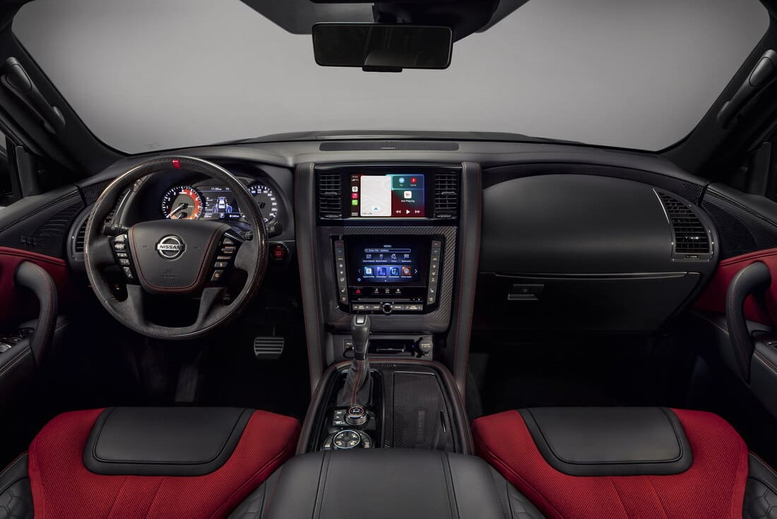 салон Nissan Patrol Nismo 2022