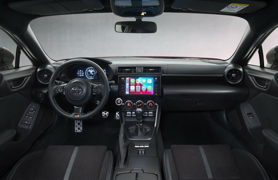 салон Toyota GR 86 2022