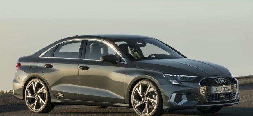 седан Audi A3 2021-2022 фото