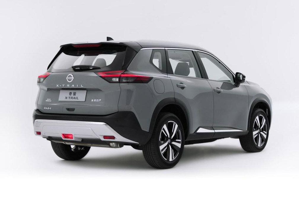 задние фонари Nissan X-Trail T33 2022