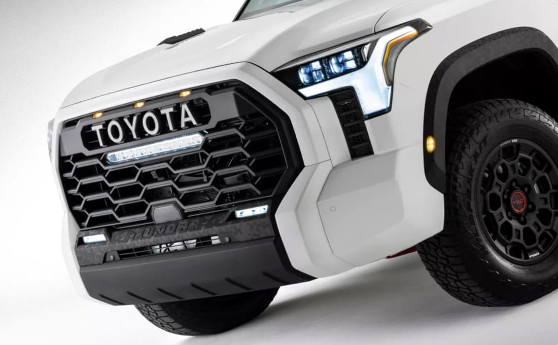 фары, решетка, бампер Toyota Tundra TRD Pro 2022