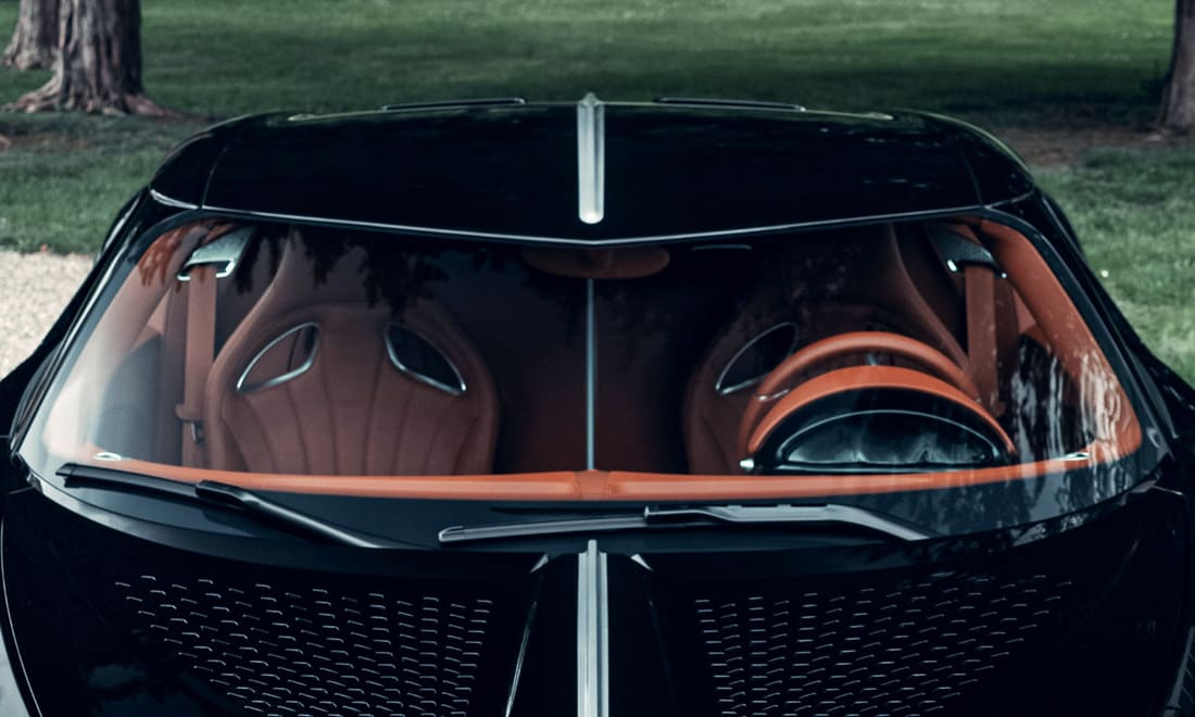 Гиперкар Bugatti La Voiture Noire («Черная машина») салон
