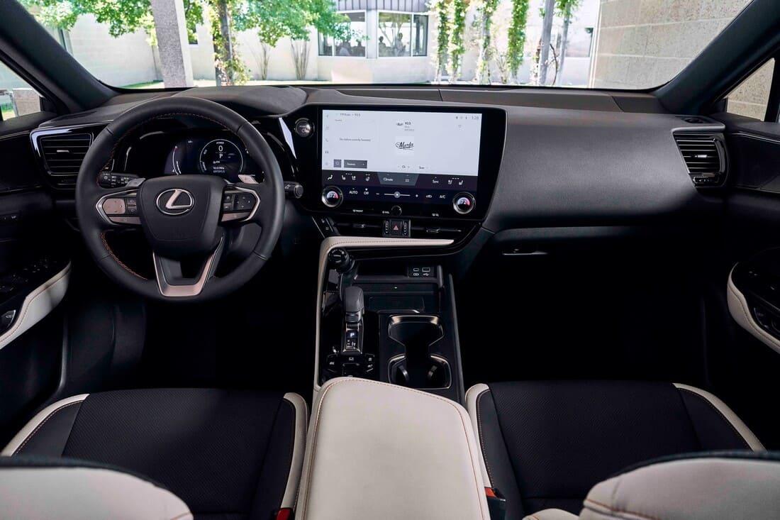 Lexus NX 2022 салон фото
