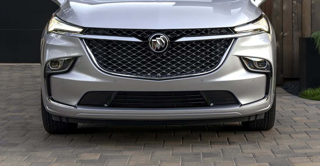 Новый Buick Enclave 2022 фары, решетка, бампер
