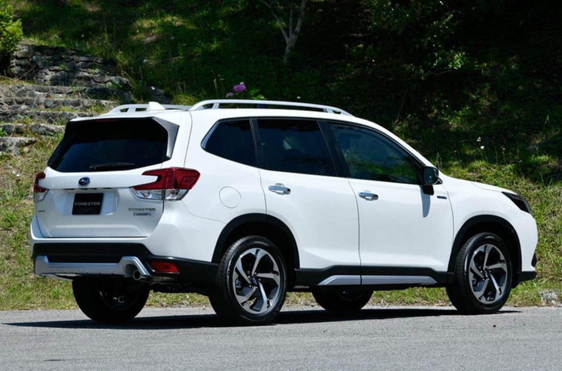 задние фонари Subaru Forester 2022