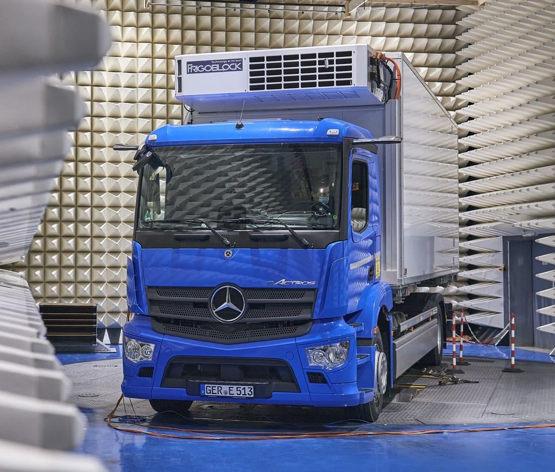 Mercedes-Benz eActros фото