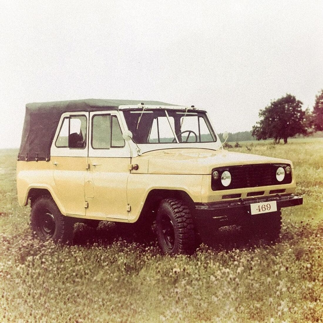 новый УАЗ 469