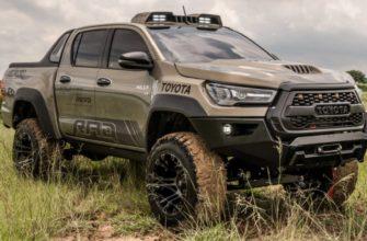 Пикап Toyota Hilux 2021 в тюнинге для бездорожья
