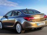 Седан Opel Astra 2013: фото, характеристики