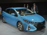 Подзаряжаемый Toyota Prius Prime 2017 (фото, цена)